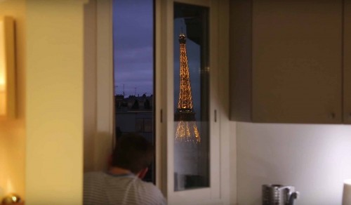 A view of the Eiffel Tower from a bedroom window in Paris, France thanks to French Redditor Lurluberlu's giant periscope.