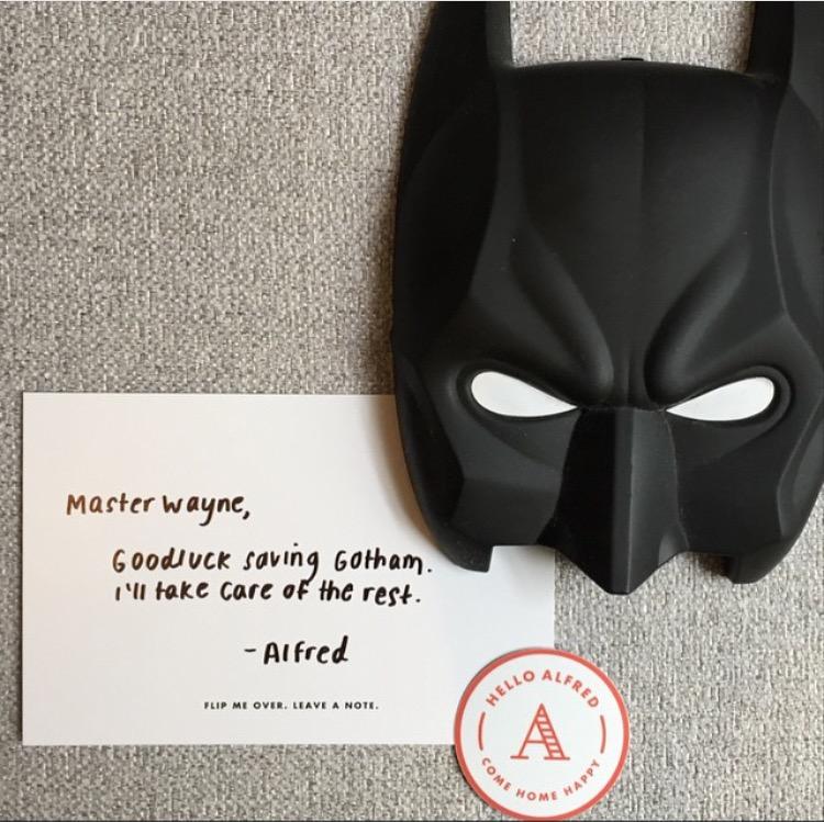 bruce-wayne-batman-mask-hello-alfred-