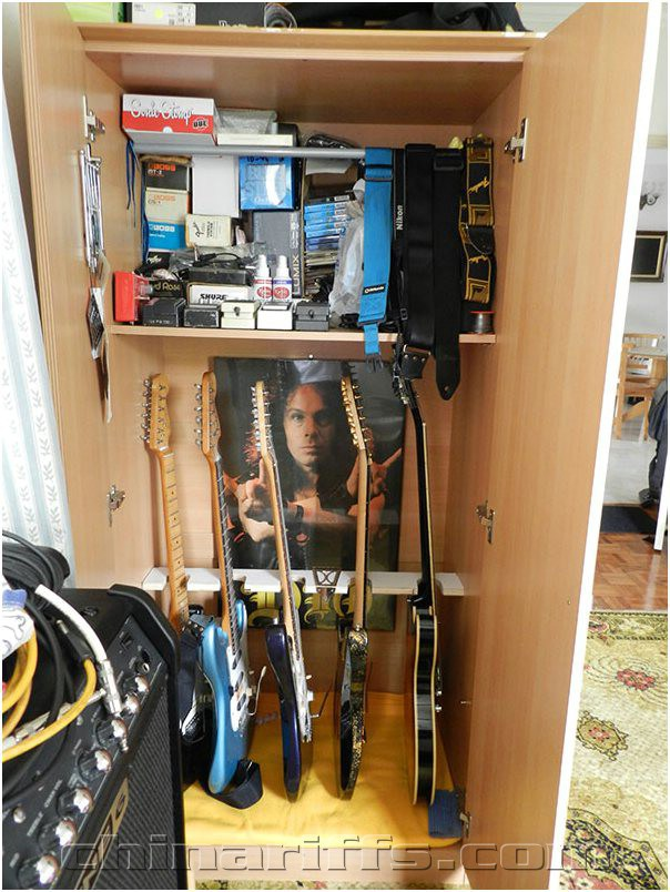 Build A Guitar Rack Inside Your Closet.
