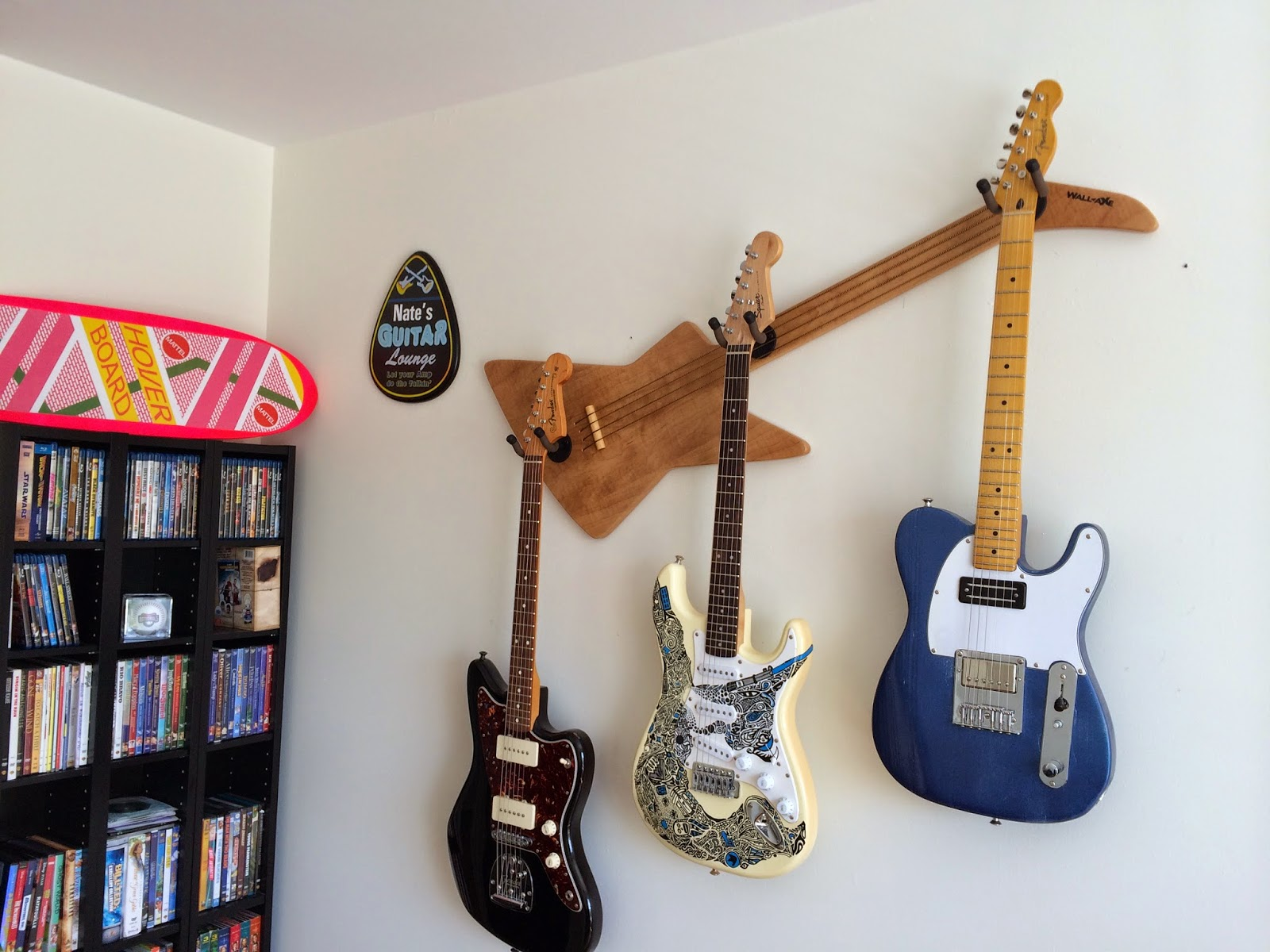 Wall-Axe's McFly LX-Candlelight is perfect for storing guitars in a tiny apartment.