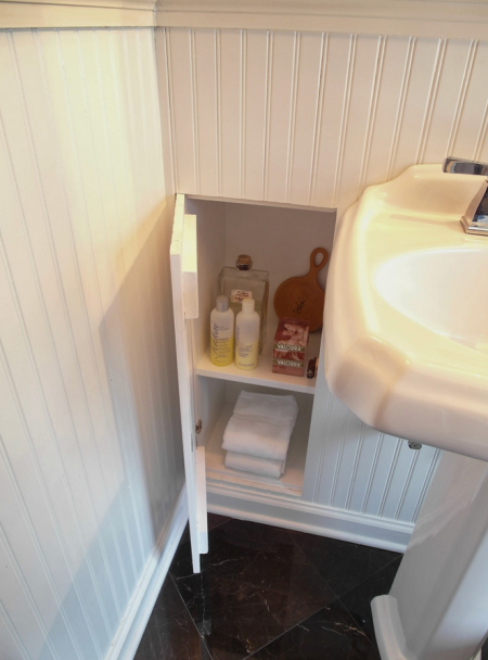 Built In Bathroom Wall Storage Shelves Are Storing Shampoo, Conditioner,  Perfume, Bar