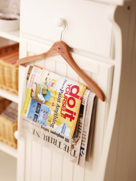 A Hanger As A Newspaper And Magazine Holder Is One Of Many Easy Bathroom  Storage Hacks