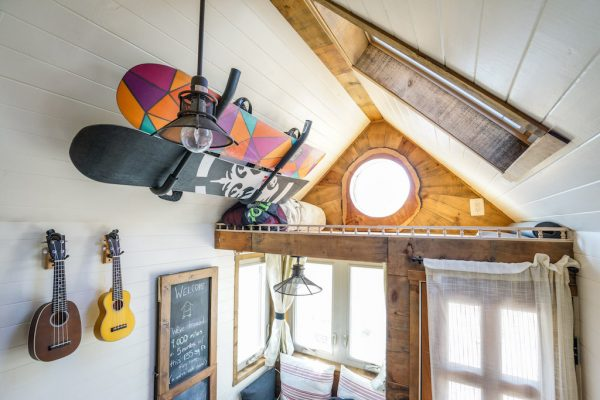 wall-snowboard-rack-tiny-house