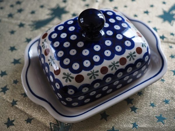 butter dish with knob