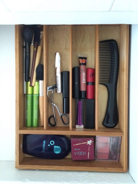 diy drawer divider for cosmetic storage