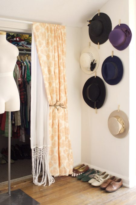diy hat rack on a wall