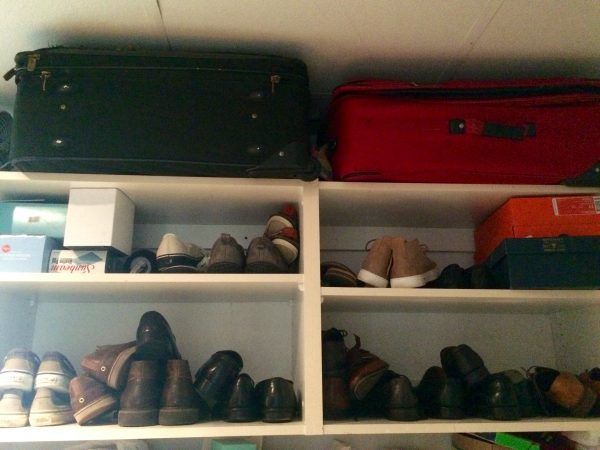 suitcase storage shelves