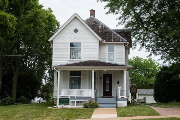 president ronald reagan boyhood home in dixon, illinois
