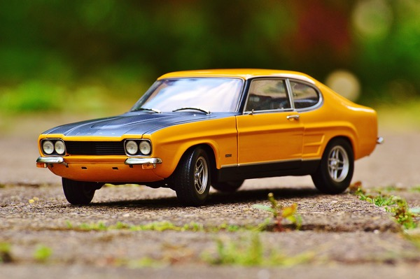 yellow and black ford capri