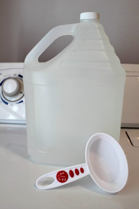 diy homemade fabric softener made from white vinegar