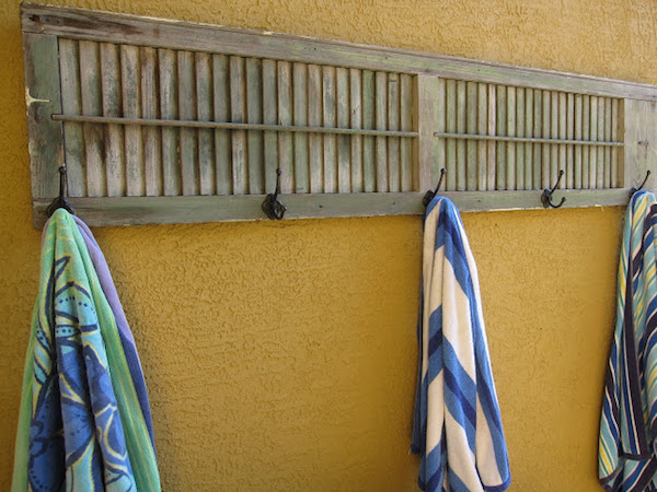 DIY shutter towel rack