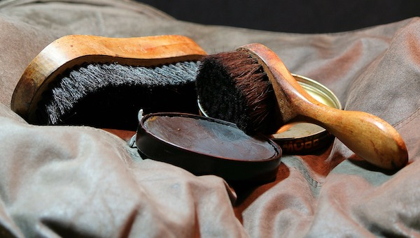leather shoeshine kit with brush