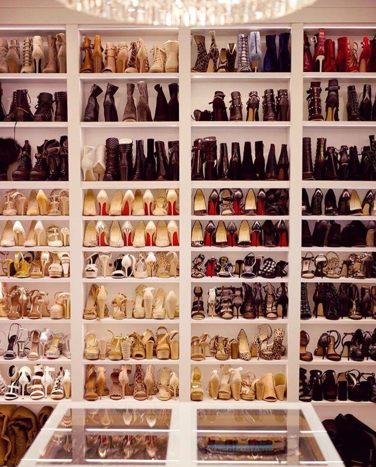 organized-shoe-closet